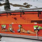 2 Skilehrerinnen auf Skilift in Lech am Arlberg