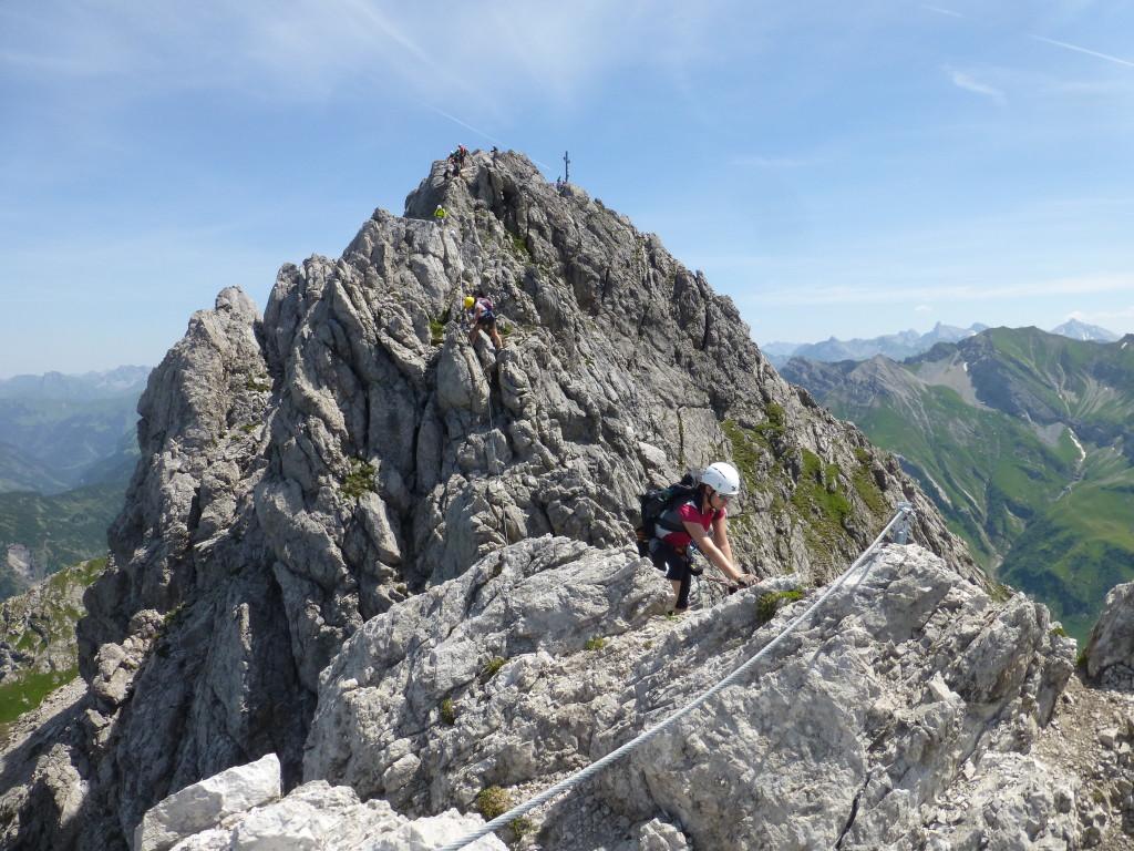 Blick zurück zum Karhorn Gipfel vom Westgrat Klettersteig