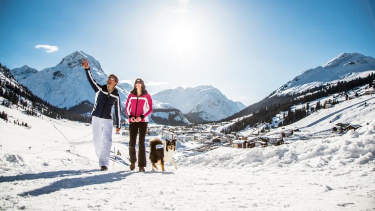Winterwanderung in Lech (Bild: Lech Zürs Tourismus, Christoph Schöch)